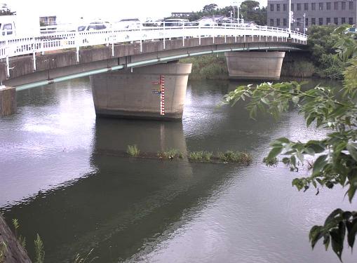 多々良川多々良橋ライブカメラは、福岡県福岡市東区の多々良橋に設置された多々良川が見えるライブカメラです。