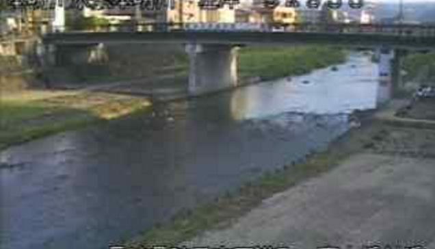 本明川裏山水位観測所ライブカメラは、長崎県諫早市天満町の裏山水位観測所に設置された本明川が見えるライブカメラです。