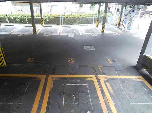 NTTルパルク代官山第1駐車場1ライブカメラは、東京都渋谷区猿楽町のNTTルパルク代官山第1駐車場に設置されたコインパーキングが見えるライブカメラです。