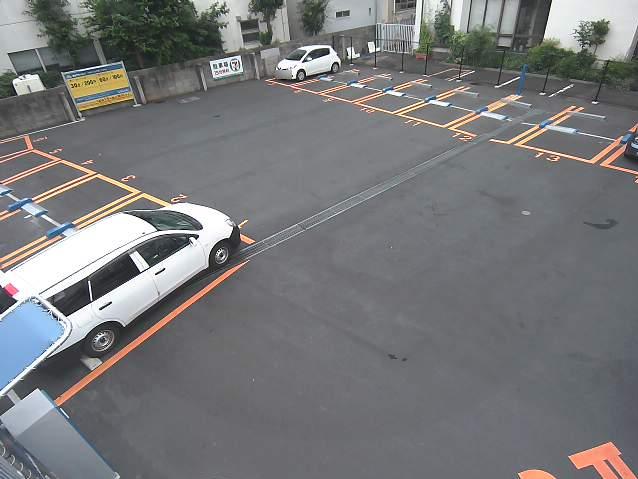 NTTルパルク川崎小杉町第1駐車場ライブカメラは、神奈川県川崎市中原区のNTTルパルク川崎小杉町第1駐車場に設置されたコインパーキングが見えるライブカメラです。