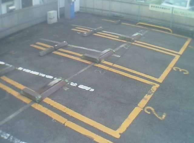 NTTルパルク上大岡第2駐車場ライブカメラは、神奈川県横浜市港南区のNTTルパルク上大岡第2駐車場に設置されたコインパーキングが見えるライブカメラです。