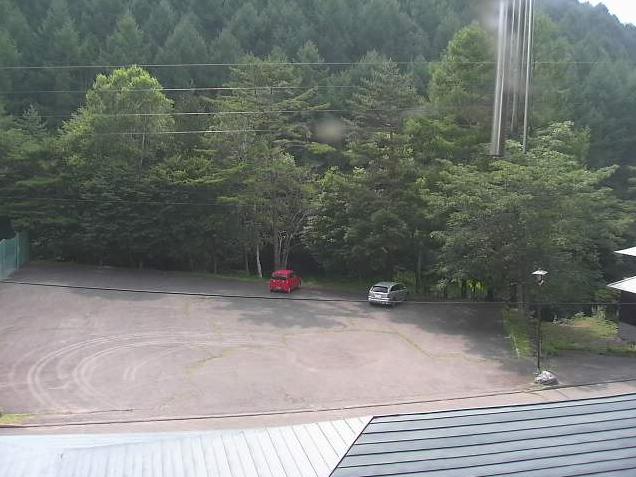 ロッジ長者の森駐車場ライブカメラは、長野県北相木村木次原のロッジ長者の森に設置された駐車場が見えるライブカメラです。