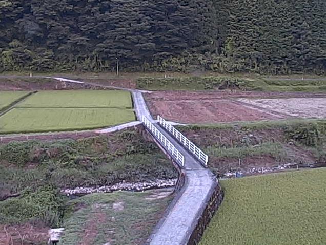 君谷川港ライブカメラは、島根県美郷町の港に設置された君谷川が見えるライブカメラです。更新はリアルタイムで、独自配信による動画(生中継)のライブ映像配信です。美郷町役場による配信です。