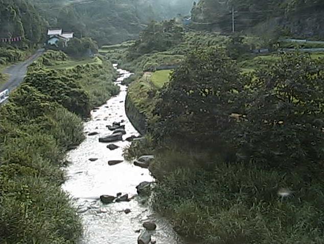 塩谷川長藤ライブカメラは、島根県美郷町の長藤に設置された塩谷川が見えるライブカメラです。