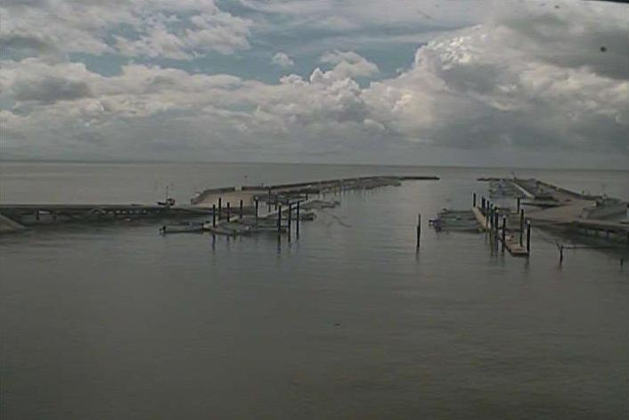 佐賀県白石町新明の新有明漁港に設置された有明海が見えるライブカメラです。
