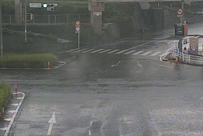 佐賀県武雄市武雄町の下西山交差点に設置された国道34号・国道35号・佐賀県道24号武雄多久線が見えるライブカメラです。