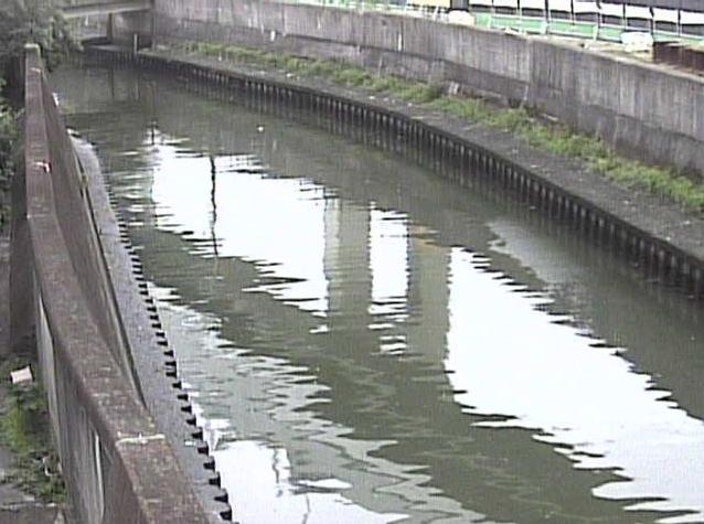 石神井川新柳橋ライブカメラは、東京都北区豊島の新柳橋に設置された石神井川が見えるライブカメラです。