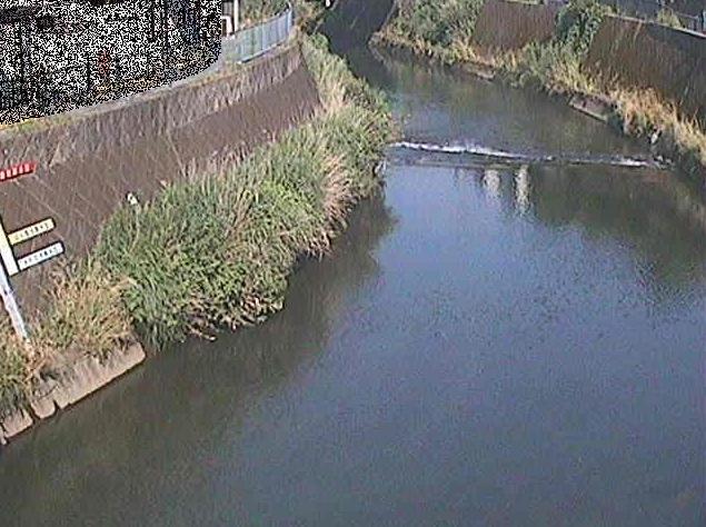 帷子川宮崎橋ライブカメラは、神奈川県横浜市保土ケ谷区の宮崎橋に設置された帷子川が見えるライブカメラです。