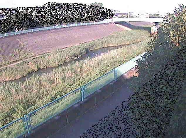 早淵川高田橋ライブカメラは、神奈川県横浜市港北区の高田橋に設置された早淵川が見えるライブカメラです。
