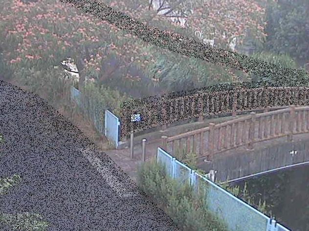 平瀬川嶋田人道橋ライブカメラは、神奈川県川崎市宮前区の嶋田人道橋に設置された平瀬川が見えるライブカメラです。
