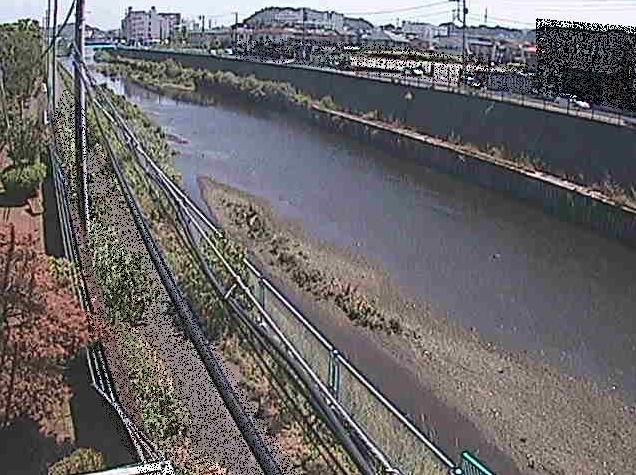 柏尾川神綱橋ライブカメラは、神奈川県藤沢市宮前の神綱橋に設置された柏尾川が見えるライブカメラです。