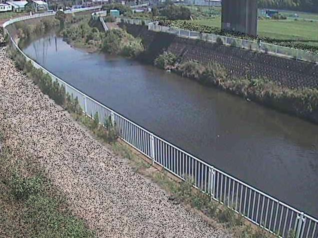 引地川石川橋ライブカメラは、神奈川県藤沢市石川の石川橋に設置された引地川が見えるライブカメラです。