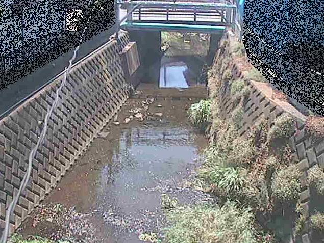 神戸川大津橋ライブカメラは、神奈川県鎌倉市津の大津橋に設置された神戸川が見えるライブカメラです。