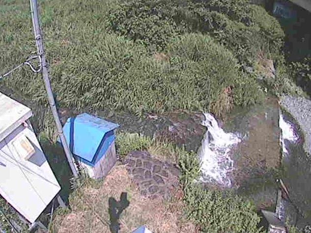 四十八瀬川新甘柿橋ライブカメラは、神奈川県秦野市菖蒲の新甘柿橋に設置された四十八瀬川が見えるライブカメラです。