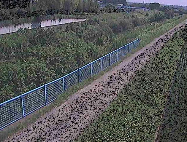 目久尻川寒川橋ライブカメラは、神奈川県寒川町宮山の寒川橋に設置された目久尻川が見えるライブカメラです。