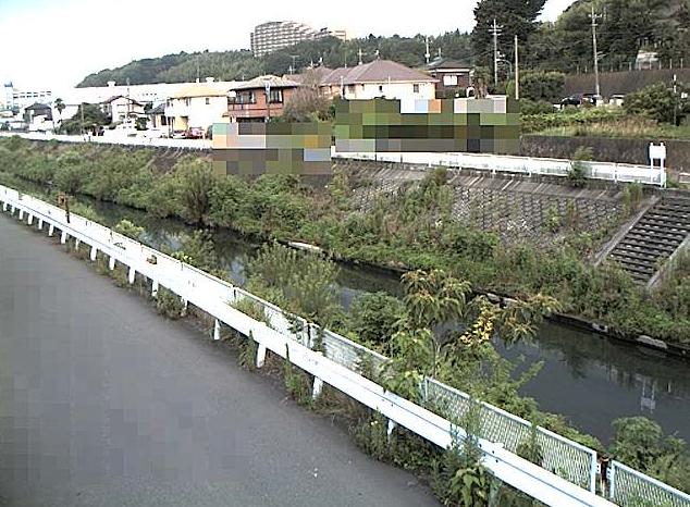早淵川勝田橋ライブカメラは、神奈川県横浜市都筑区の勝田橋に設置された早淵川が見えるライブカメラです。