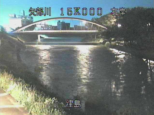 矢部川津島ライブカメラは、福岡県筑後市の津島に設置された矢部川が見えるライブカメラです。
