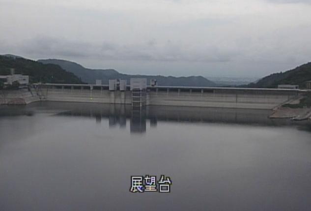宮ヶ瀬ダム展望台ライブカメラは、神奈川県相模原市緑区の宮ヶ瀬ダム展望台に設置された宮ヶ瀬湖・宮ヶ瀬ダムが見えるライブカメラです。
