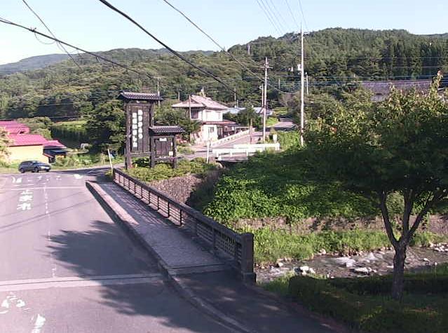 みなかみ町入須川観測所ライブカメラは、群馬県みなかみ町入須川の入須川観測所に設置された遊神館付近が見えるライブカメラです。
