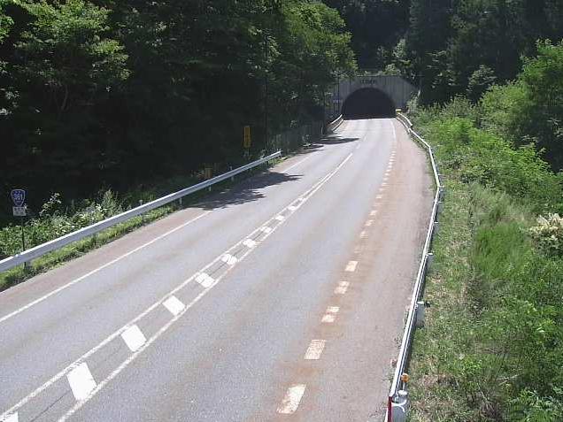 国道361号羽渕ライブカメラは、長野県塩尻市奈良井の羽渕(羽渕トンネル)に設置された国道361号が見えるライブカメラです。