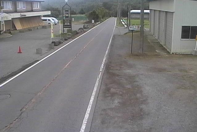 国道406号菅平ライブカメラは、長野県上田市菅平の菅平に設置された国道406号が見えるライブカメラです。