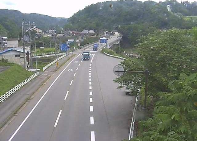 国道117号森ライブカメラは、長野県栄村北信の森に設置された国道117号が見えるライブカメラです。