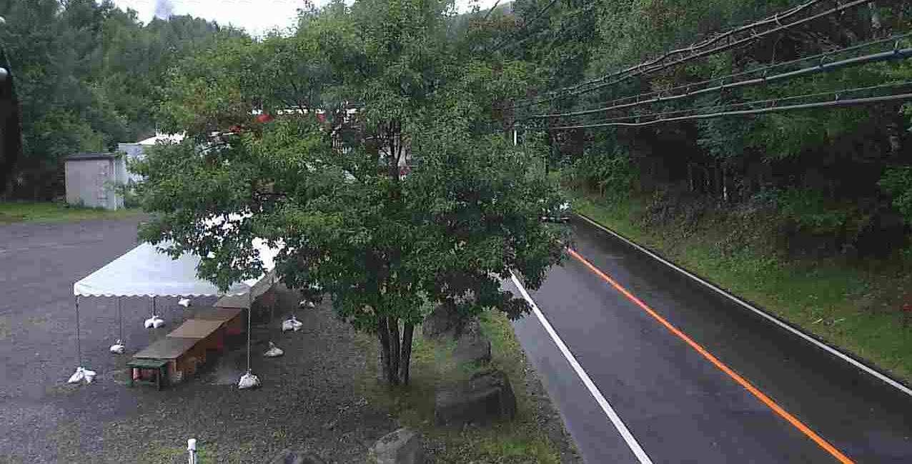 国道152号姫木コミュニティセンターライブカメラは、長野県長和町大門の姫木コミュニティセンターに設置された国道152号が見えるライブカメラです。