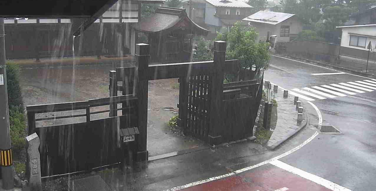 蕎麦屋徳田中山道和田宿本陣前ライブカメラは、長野県長和町和田の蕎麦屋徳田に設置された中山道和田宿本陣前が見えるライブカメラです。