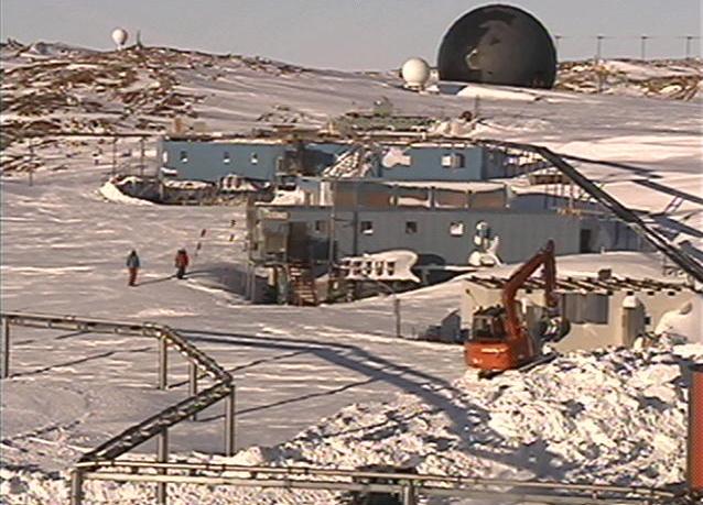南極昭和基地管理棟屋上ライブカメラは、東オングル島の昭和基地に設置された南極が見えるライブカメラです。