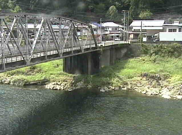 瀬戸中山橋ライブカメラは、岐阜県下呂市焼石の中山橋付近に設置された飛騨川・中山橋・国道41号(益田街道)が見えるライブカメラです。