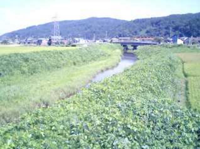 荻堀水管橋大平川ライブカメラは、新潟県三条市荻堀の荻堀水管橋に設置された大平川が見えるライブカメラです。