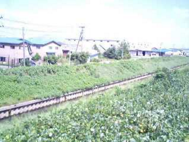福島新田大面川ライブカメラは、新潟県三条市猪子場新田の福島新田に設置された大面川が見えるライブカメラです。
