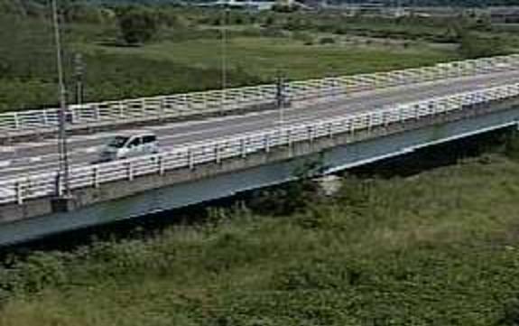 釜無川船山橋ライブカメラは、山梨県韮崎市本町の船山橋に設置された釜無川が見えるライブカメラです。