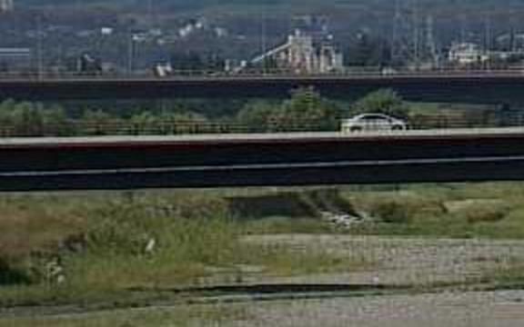 釜無川浅原橋ライブカメラは、山梨県南アルプス市浅原の浅原橋に設置された釜無川が見えるライブカメラです。