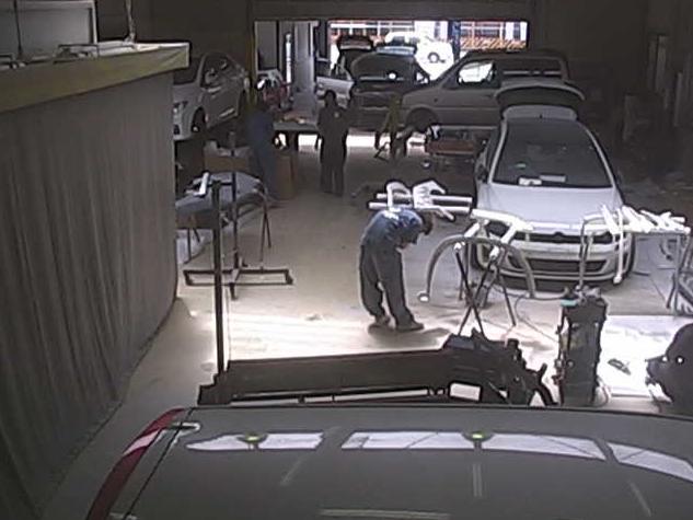 ハマナ自動車第1工場ライブカメラは、埼玉県ふじみ野市鶴ケ舞のハマナ自動車第1工場(本社)に設置された自動車整備工場が見えるライブカメラです。
