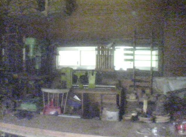 ブナの実木工房ライブカメラは、群馬県みなかみ町藤原のブナの実に設置された木工房作業場が見えるライブカメラです。