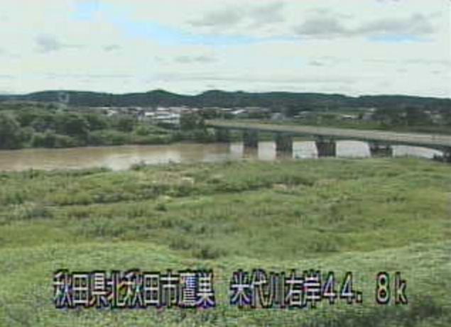 米代川鷹巣橋ライブカメラは、秋田県北秋田市鷹巣の鷹巣橋に設置された米代川が見えるライブカメラです。