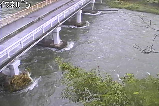 馬淵川岩根橋ライブカメラは、岩手県一戸町西法寺の岩根橋に設置された馬淵川が見えるライブカメラです。