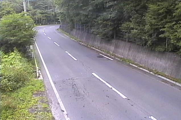 国道144号鳥居峠ライブカメラは、長野県上田市真田町長の鳥居峠に設置された国道144号(長野街道)が見えるライブカメラです。