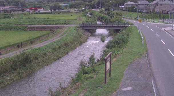 如来堂川青柳橋近郊ライブカメラは、青森県南部町下名久井の青柳橋近郊に設置された如来堂川が見えるライブカメラです。