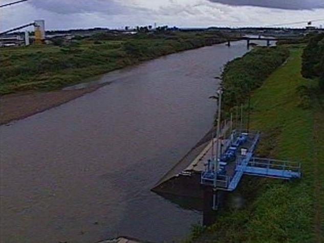 熊野川熊野川排水機場ライブカメラは、宮崎県宮崎市熊野の熊野川排水機場に設置された熊野川が見えるライブカメラです。