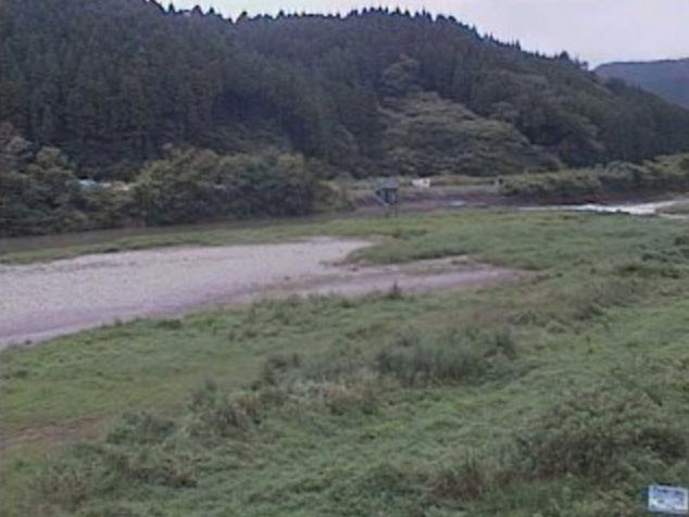 広渡川大藤井堰上流ライブカメラは、宮崎県日南市北郷町の大藤井堰上流に設置された広渡川が見えるライブカメラです。