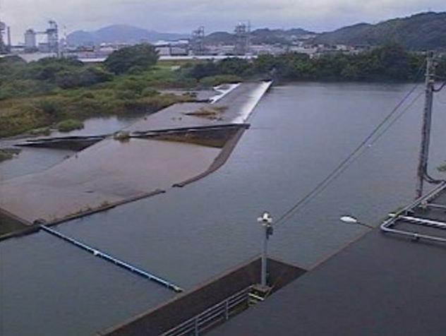 祝子川蛇谷川樋門ライブカメラは、宮崎県延岡市夏田町の蛇谷川樋門に設置された祝子川が見えるライブカメラです。