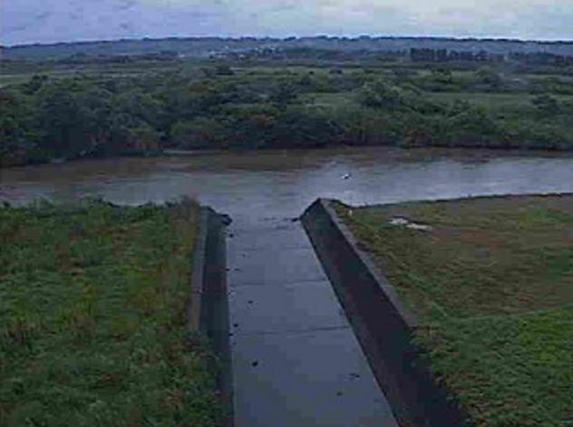 追手川追手川排水機場ライブカメラは、宮崎県宮崎市佐土原町の追手川排水機場に設置された追手川が見えるライブカメラです。