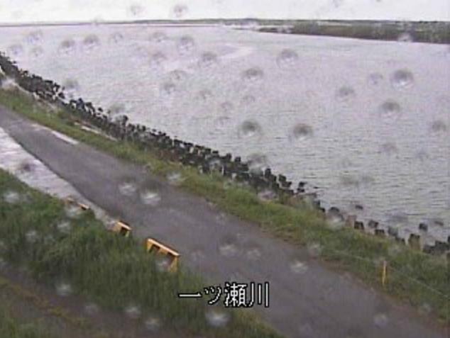 一ツ瀬川河口ライブカメラは、宮崎県新富町下富田の一ツ瀬川河口に設置された一ツ瀬川が見えるライブカメラです。