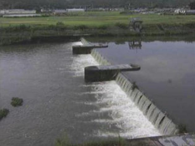 国分川丹貫堰ライブカメラは、高知県南国市の丹貫堰に設置された国分川が見えるライブカメラです。