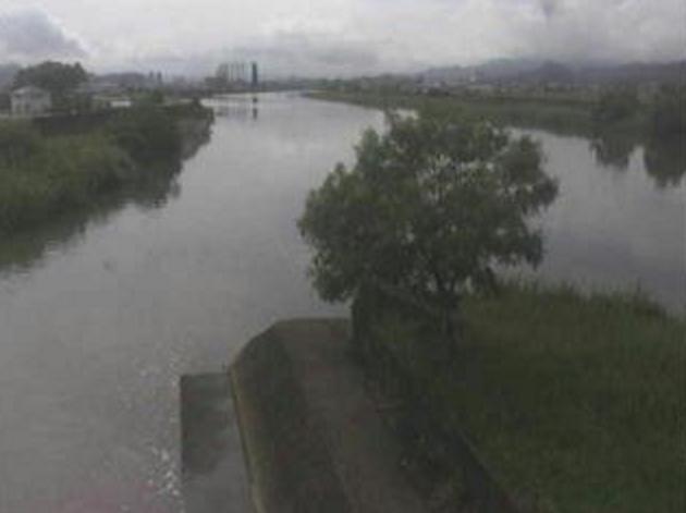 国分川菱池樋門左岸ライブカメラは、高知県高知市布師田の菱池樋門左岸に設置された国分川が見えるライブカメラです。
