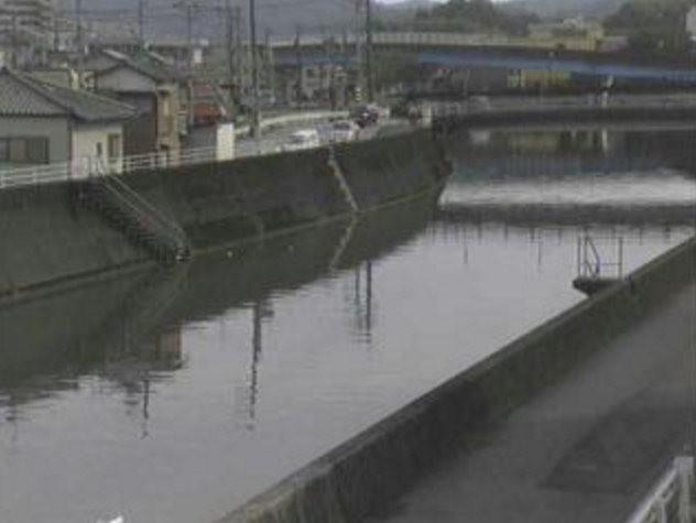 舟入川大津小学校ライブカメラは、高知県高知市大津乙の大津小学校(高知市立大津小学校)に設置された舟入川が見えるライブカメラです。