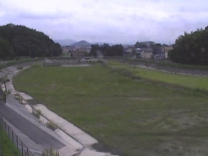 明星寺川調整池ライブカメラは、福岡県飯塚市潤野の調整池に設置された明星寺川が見えるライブカメラです。
