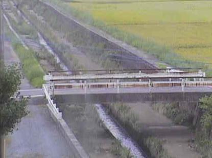 庄司川柳橋ライブカメラは、福岡県飯塚市柳橋の柳橋に設置された庄司川が見えるライブカメラです。